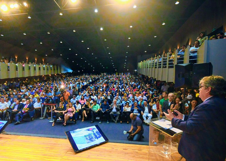 Concurso: governador anuncia seleção para Aesa