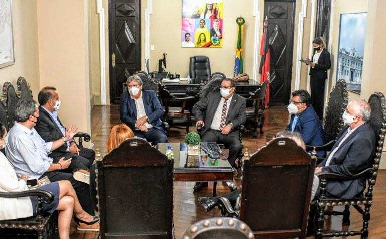 João Azevêdo e governadores assinam pré-acordo para operação comercial do projeto do São Francisco