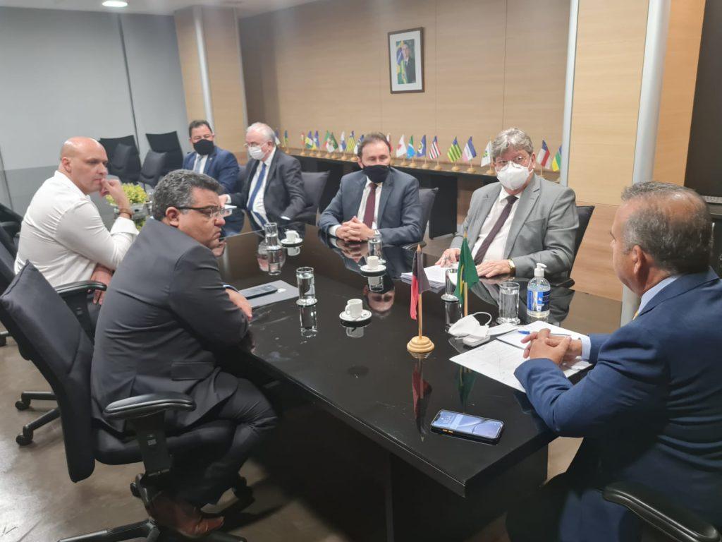 Governador reivindica ao ministro do Desenvolvimento Regional adutora que levará água para o Brejo